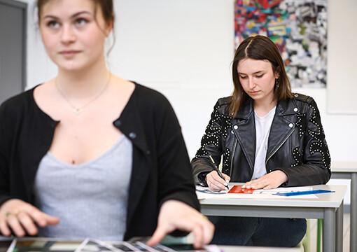 Actu CREAD : Enseignement avec des professionnels de l'architecture d'intérieur et du design à l'école CREAD